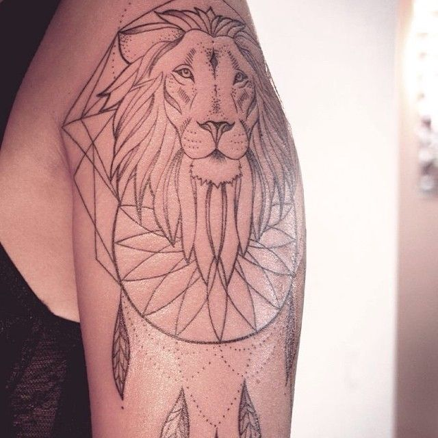 LOVE THIS LION.   IF YOU WANT TO GET INKED, CONTACT ME VIA FB. [ L I N K  I N  P R O F I L E ]  FOLLOW MY STUDIO @vadersdye   #tattoo #ink #art #tattooartist #tattooer #tattooing #inked #inkedgirl #girl #tattoogirl #tattoos #tattoosofinstagram #tattoolookbook #tattoohamburg #hamburg #hamburgtattoo  #lionhead #dreamcatchertattoo #liontattoo #dotwork #geometrictattoo #lovemyjob #melinawendlandt