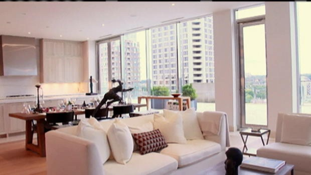 Another Toronto Condo on the market for $28 million. I think we have some competition for the highest condo sale in Canada!