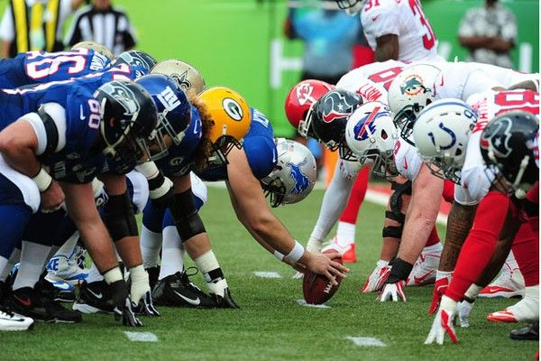 NFL Week 2 Game Preview: Eyebrow-less in Seattle - Girls Love the Game. Here's what you need to know: a 49er or Seahawks QB will be losing an eyebrow, the Manning bros are facing off in Jersey, and more...