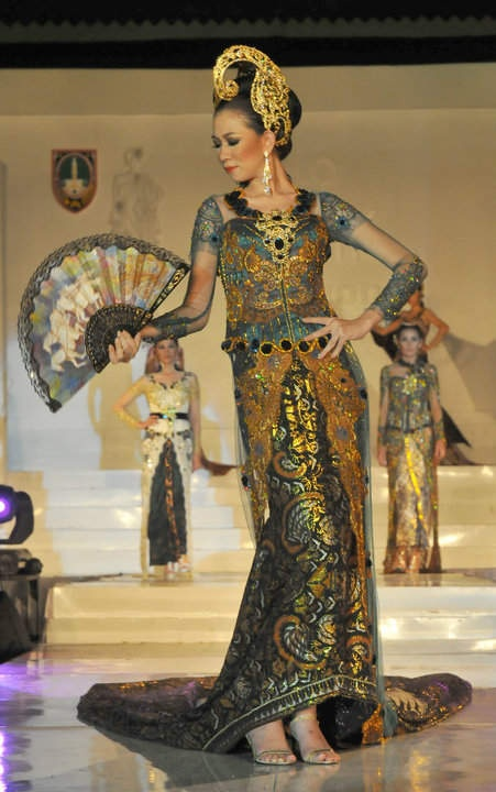 Kebaya and Batik fashion 2013