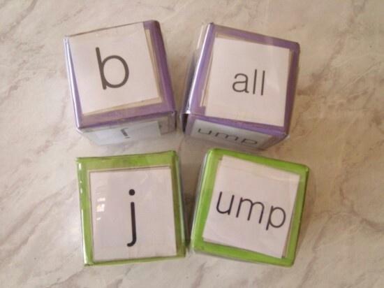 주사위를 던져 나오는 면에 적힌 철자들 끼리 연결시켜 하나의 단어를 만드는 게임으로 단어 암기시 유용하게 쓰일 수 있다.