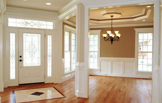 Wainscot and tray ceiling remodel la maison pinterest for Dining room molding ideas