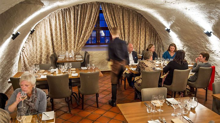 Restaurantanmeldelse av Statholderens Mat & Vinkjeller: Norsk kulinarisk pilgrimsferd