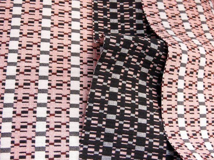 Осенние виды жаккардовых костюмных и пальтовых тканей из новой поставки уже в продаже во всех залах магазина! Сделано в Италии.