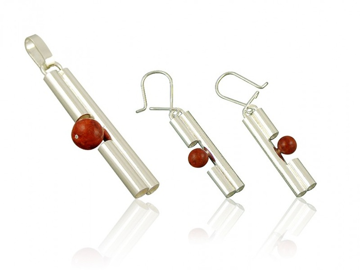Silver jewellery set with red coral