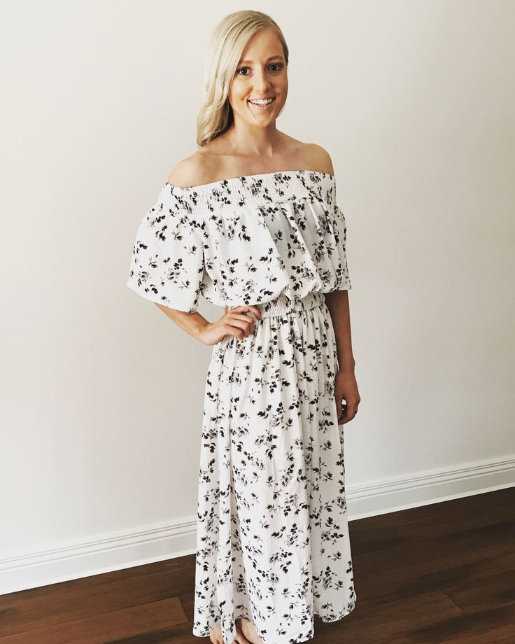 Ava off the shoulder dress. Perfect for these Autumn days.