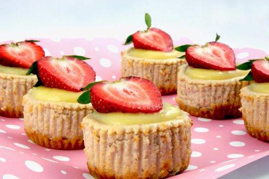 Lemon-Strawberry Cheesecake Cupcakes #gourmet