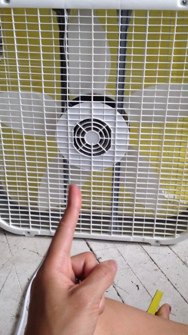 Controlling AC fans with muscle sensor and Arduino.