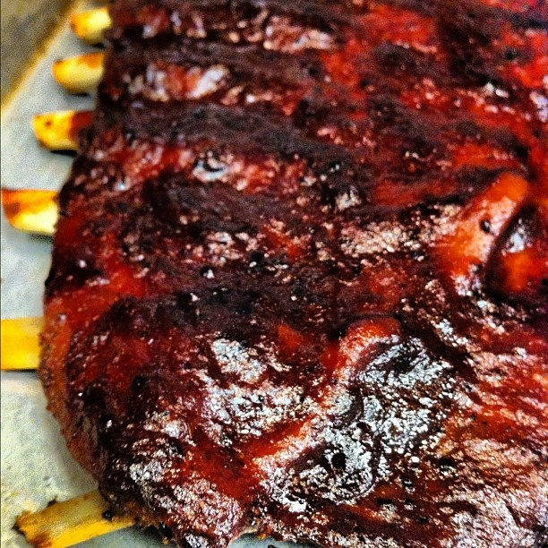 best ever barbecued ribs recipe yummly best ever barbecued ribs recept ...