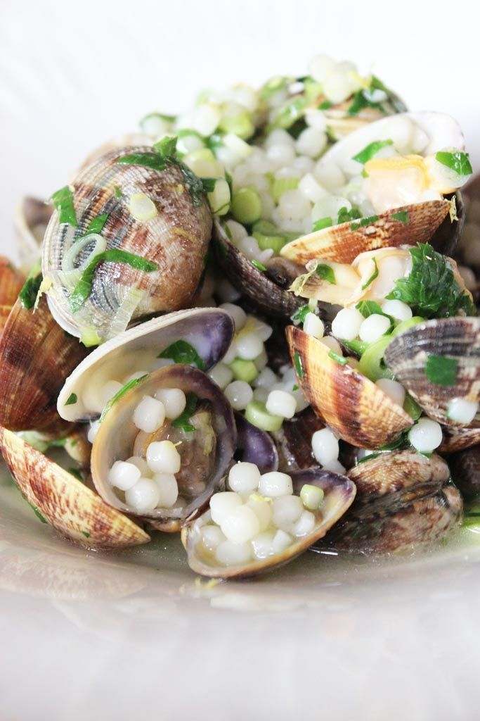 """Het lekkerste recept voor """"Pasta vongole"""" vind je bij njam! Ontdek nu meer dan duizenden smakelijke njam!-recepten voor alledaags kookplezier!"""