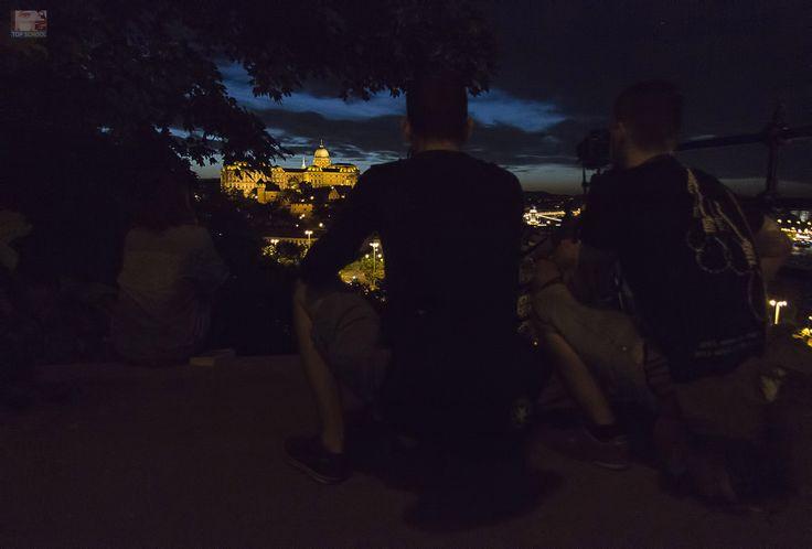 Éjszakai fotózás gyakorlaton jártunk a Grafikus OKJ tanfolyam résztvevőivel.