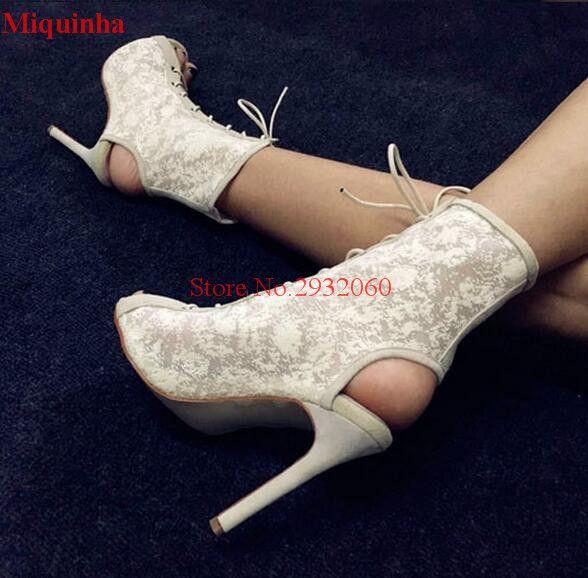 2017 Nova Moda de Verão Flores de Renda Branca Mulheres Ankle Boots Botas Peep Toe Slingback Sandálias de Salto Alto Sexy Sapatos de Mulher