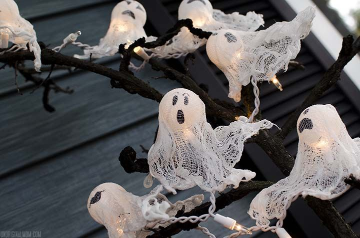 DIY Ping Pong Ball Ghost Lights with spooky Halloween tree