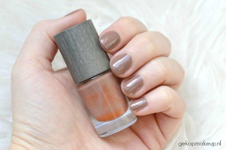 Swatch Boho nagellak: natuurlijk, dierproefvrij en vegan. Dit is de kleur Earth (21).