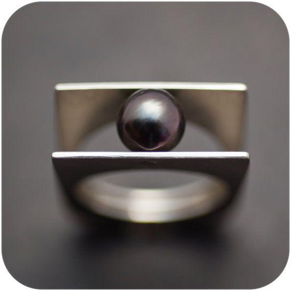 Tahitian Black Pearl - Split Shank Riveted Ring - size 9
