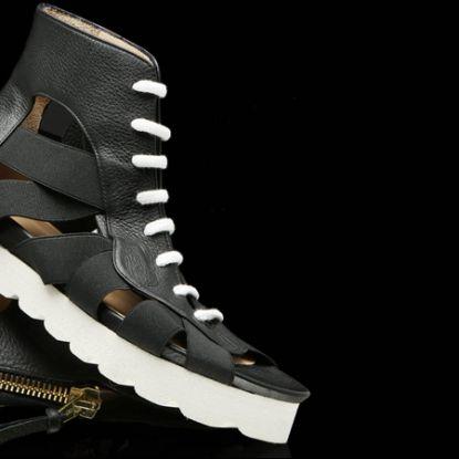 Kammi Primavera Estate 2014 Sandalo pelle nera http://www.lodishop.com/negozio/kammi/ #shoes #fashion #sandals #kammi #lodi #italy