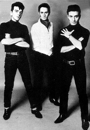 Gabinete Caligari fue un grupo español integrado por Jaime Urrutia,  Fernando Presas y Eduardo Clavo. El grupo se formó en 1981 y se disolvió 1999. Su canción más conocida es 'Camino Soria'.