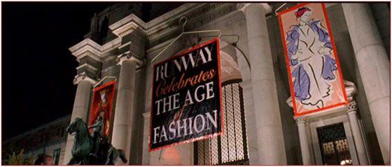 """""""E la festa di beneficenza?""""  E' ambientata nel #Museo di #StoriaNaturale di #NewYork, #CentralParkWest 79th Street."""