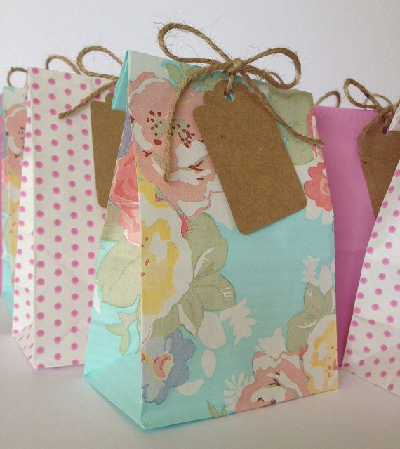 Gorgeous Favor Bags with Kraft Tags and Twine - Vintage Wedding Favor Bags - Vintage Shabby Chic - Baby Shower - Cake Bags - Lolly Bags