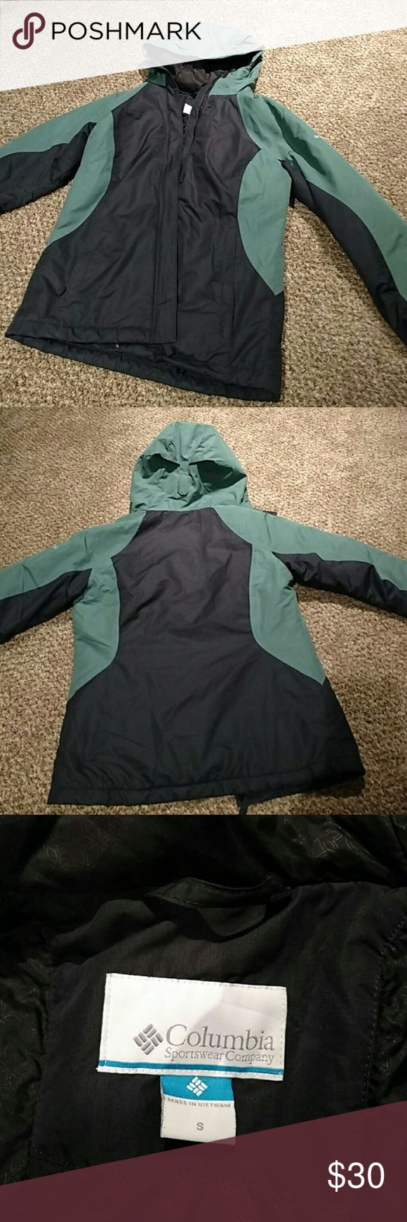 Columbia coat! Size small medium weight Columbia coat! Teal and black colors. Re-posh as I bought a different one and just don't need this one. Great condition! Columbia Jackets & Coats