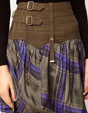 Marithe Francois Girbaud - Ahkrug - Jupe en jean à carreaux écossais. Translation: Scottish kilt wi a wee jaikit!
