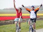 Kuinre-Blokzijlroute 35 km  De grens van het Kuinderbos in de Noordoostpolder sluit naadloos aan bij Overijssel. Deze speciaal ontwikkelde fietsroute van ± 35 km laat u kennis maken met het Kuinderbos en laat u de rustgevende stilte ervaren tijdens uw rit op de dijkjes richting Blokzijl. Onderweg kunt u langs gaan bij een van onze 'Afstappers' om nog meer te ontdekken van wat de Noordoostpolder te bieden heeft.