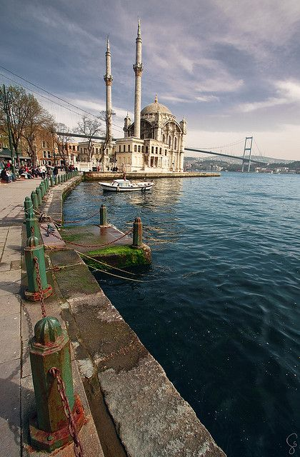 Ortaköy Mosque on the shores of Bosphorus, Istanbul, Turkey (by haelio)