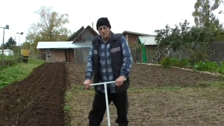 Осенняя вспашка картофельного поля с обработкой от фитофторы