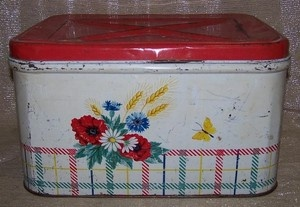 New England Farmhouse Vintage Plaid Floral Red Metal Breadbox