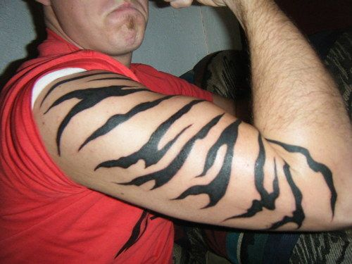 tattoos of tiger stripes - Google Search would like that on my right side hip going down the leg