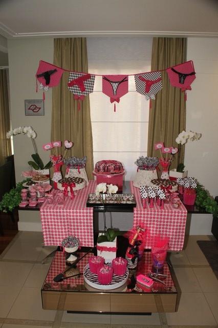 Inspiração Chá de lingerie #dechelles #bridalshower #chádelingerie…