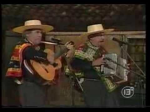"""Hermanos Campos """"La Bandera Chilena"""" - YouTube"""