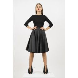 50's ecoleather skirt #minimalism #allblackeverything
