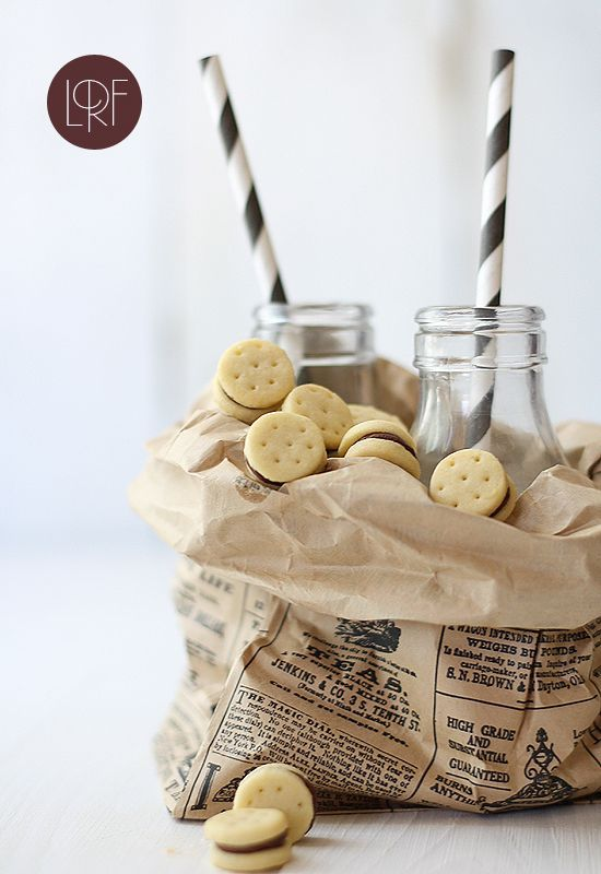 A simple mini biscuit with chocolate cream filling. Adorable and delicious!