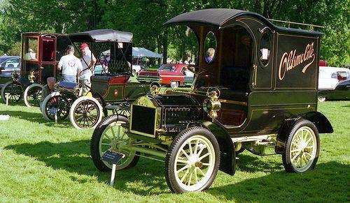 1904 Oldsmobile Pie Wagon