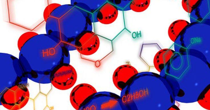Como completar reações químicas. Estudantes de química do mundo inteiro precisam completar e balancear reações químicas com frequência. Para completar uma reação química, você deve escrever os produtos com base nos reagentes. Para isso, é necessário saber que tipo de reação está ocorrendo e como os elementos se comportam. Entretanto, com uma tabela periódica em mãos e um pouco de ...