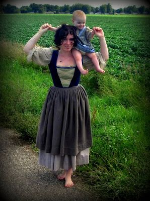 Romantic History: Lady Hobbit Costume ~ Finished! At Last!