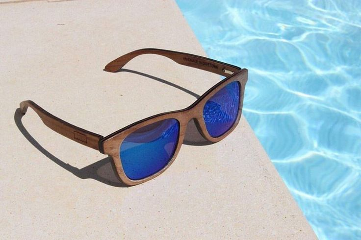 Ballo by the pool - Barnes XL Imbuia Blue revo