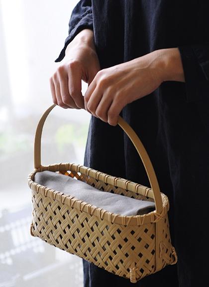 Beautifully crafted bamboo bag by Nakagawa Shoten - via Analogue Life