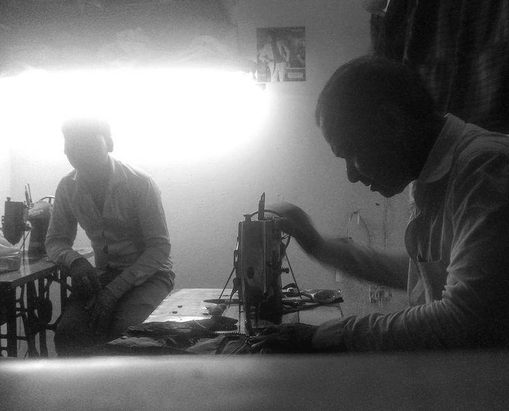 #что_там #what_is_there 214 день в пути Ночь - самое прохладное время для работы. #индия  #уттар_прадеш #агра #тадж_махал #индуизм #пальма  #храм #рикша #ашрам  #путешествие  #чай  #солнце #путь  #дорога  #sun  #traveling #india #uttar_pradesh #agra #taj_mahal #trip #way  #induism  #mauntains #tample