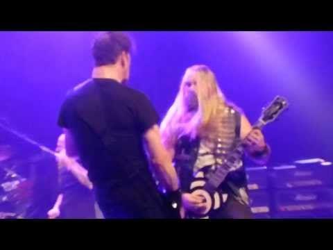 "Bass Player Live! Zakk Wylde,Corey Taylor,Jason Newsted ""War Pigs"" @The Fonda Theatre 11-9-2013 - YouTube"