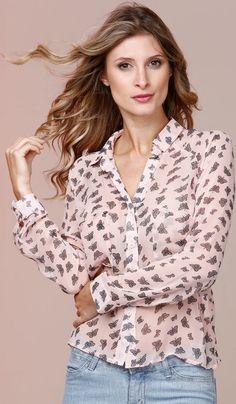 Resultado de imagem para looks com camisa feminina rosa meia manga