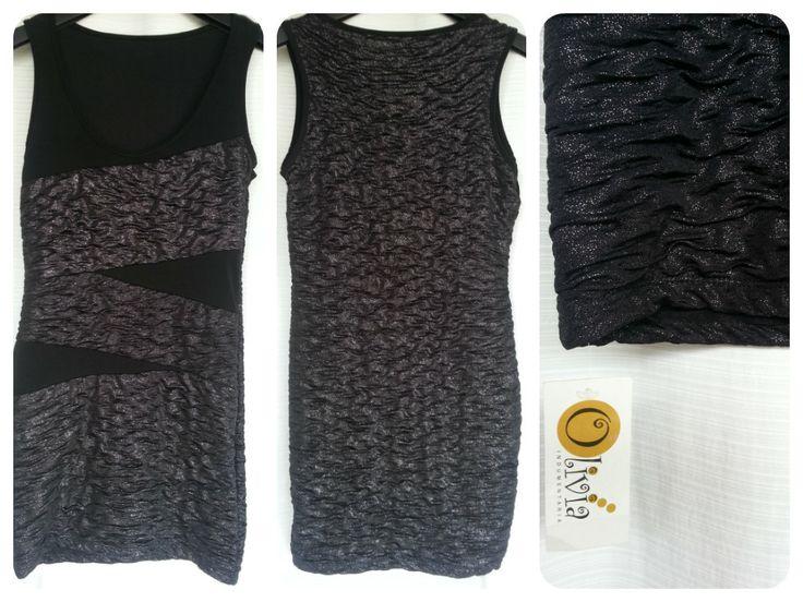 ♥ Vestido negro con brillos plateados ♥  $120 *NUEVO* con etiqueta T. Small Tela con expandex 78 cm de largo 40 cm de sisa a sisa 34 cm de cintura