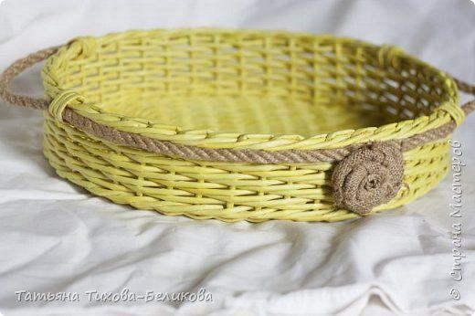 Поделка изделие Плетение Новое Бумага газетная Трубочки бумажные фото 1