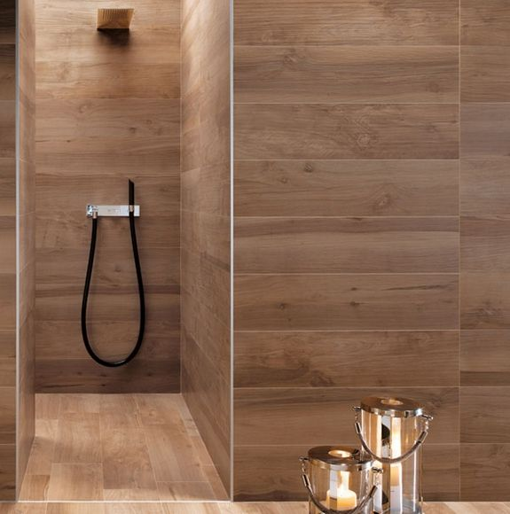Shower with wood grain tile design trend faux bois a for Carrelage faux parquet