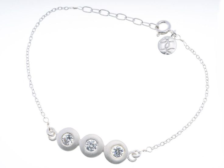 Triple Crystal Pebble Silver Bracelet - HeidisHoff.no