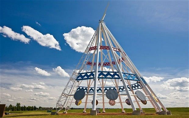 The world's largest teepee - 20 storeys in Medicine Hat, Alberta