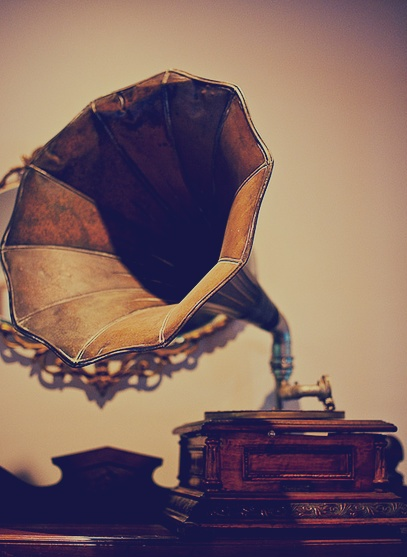 Vintage music players will capture your guest's imagination and serve as a perfect conversation starter.
