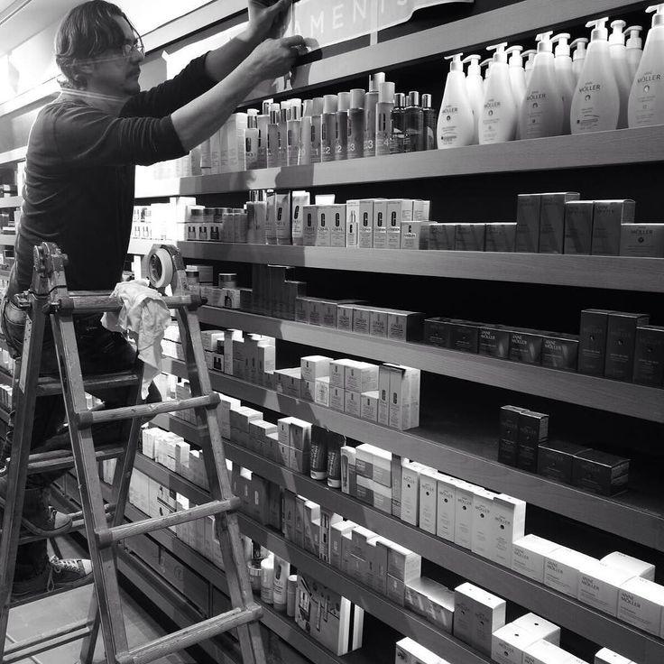 Nueva tienda Facial en Sant Cugat. #perfumeriesFacial #estudijosepcortina #interiorismo #design #interiordesign #nuevaimagenFacial #santcugat #conceptualdesign