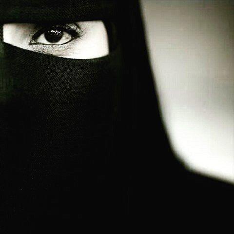 Assalamu'alaikum shaliha  Engkau cantik dengan kesederhanaan hijabmu Engkau cantik dengan tertunduknya pandanganmu Engkau cantik dengan segala apa yg kau punya.. Hijabmu bukan untuk pamer diri Hijabmu bukan untuk mencari simpati Hijabmu bukan untuk mendapatkan tatapan lelaki Namun.. Hijabmu untuk memperbaiki hati Hijabmu untuk menutup diri dari puja dan puji Hijabmu untuk menadapat Ridha Illahi . Bukan soal tutorial Bukan soal modis Bukan soal trend Tapi.. Hijab soal niat Hijab soal…